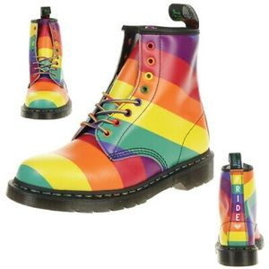 🌈Dr Martens 1460 Pride Unisex Boots in Rainbow